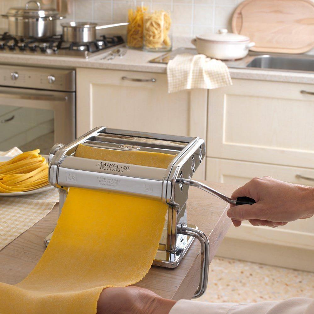 Домашняя паста в итальянской тестораскатке