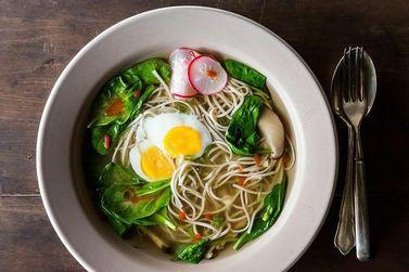 Интернациональный суп с соба: итальянская пастамашина поможет